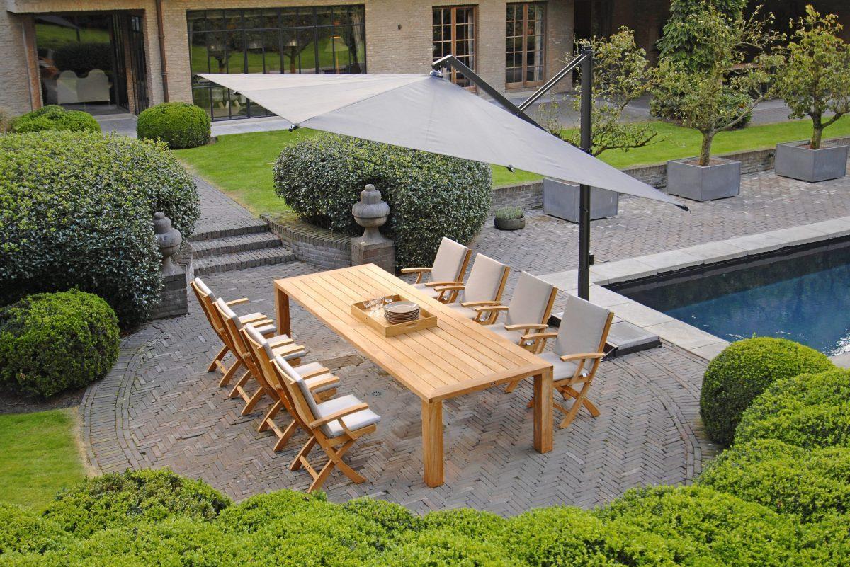Outdoor-Tischset aus Teakholz