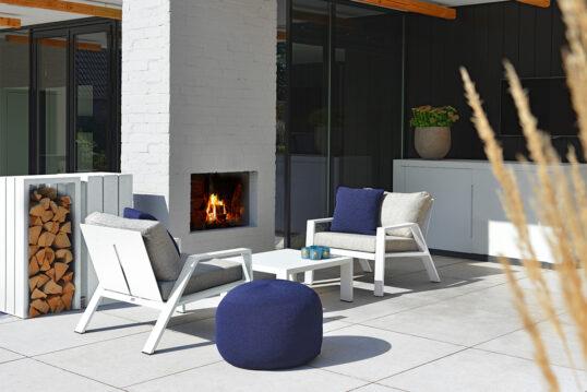 Inspiration für die Terrassengestaltung – Moderne Terrasse mit angenehmer woh...