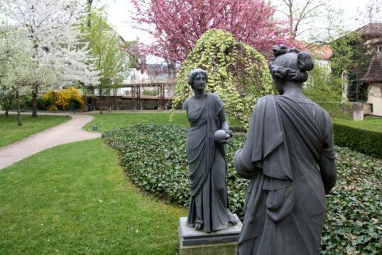 Idee für einen kleinen Park – Frommannscher Garten Jena – Beispiel mit ...