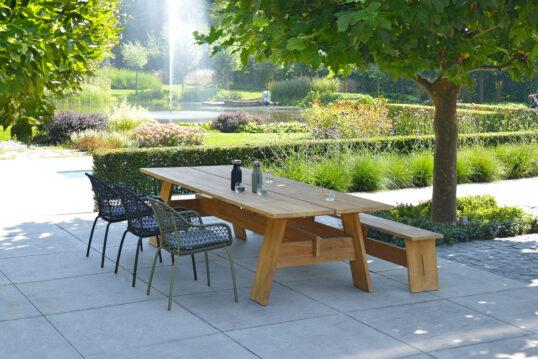Idee für die Gestaltung eines großen Gartens oder Parks – Terrassenbeispiel m...