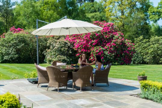 Beispiel für die Terrasse mit gemütlicher Rattan Sitzgruppe – Rattanstühle &#...