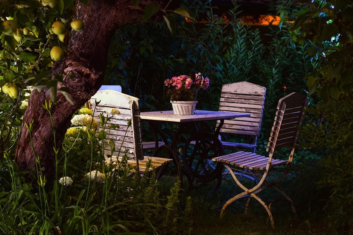Bäume sind in der Gartengestaltung unverzichtbare Elemente.