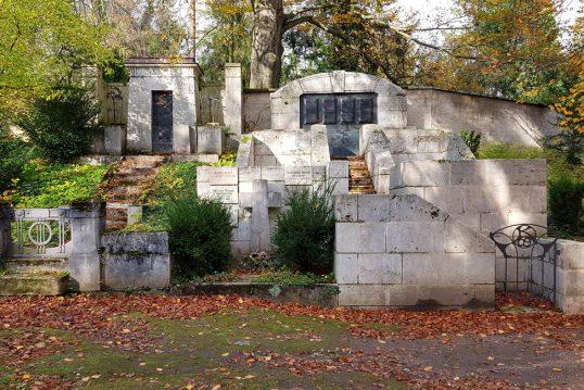 Karl Theodor Kötschau – Bedeutendes Mausoleum nach Entwürfen Henry van de Vel...