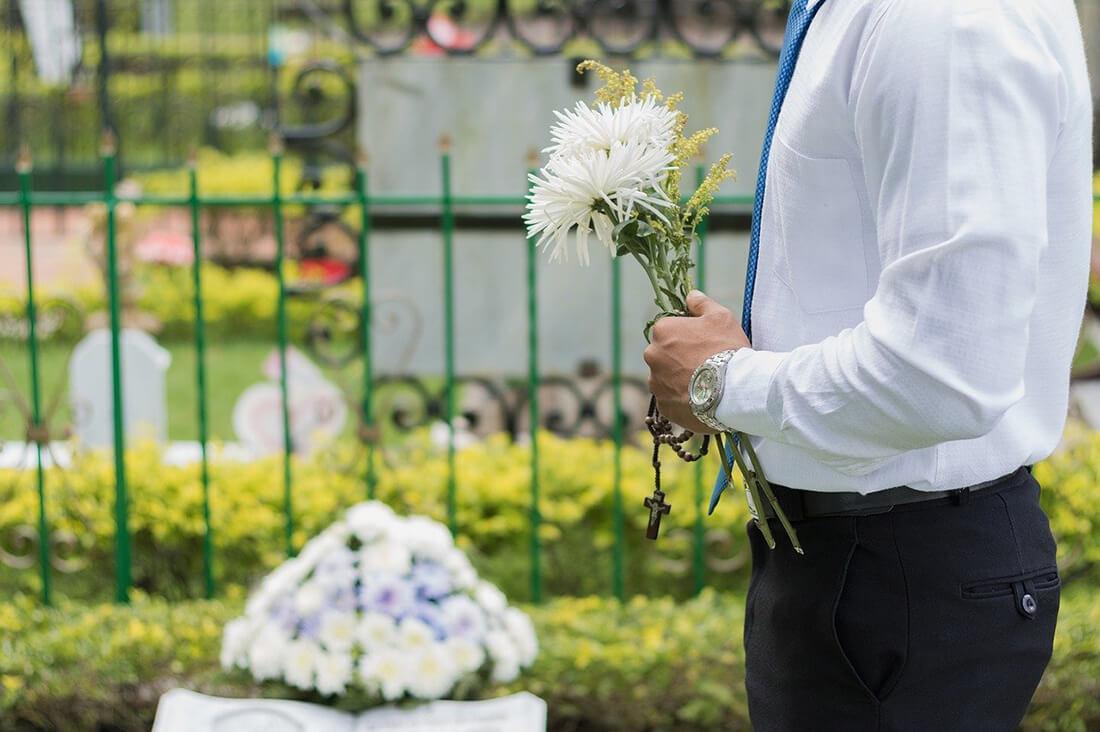 Trauerredner bei der Beerdigung