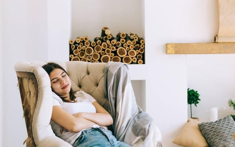 Schlafsessel & Bettsessel: Verwandlungskünstler zum Sitzen & Schlafen