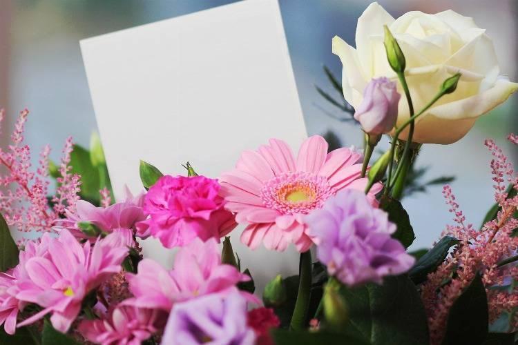 Freude verschenken mit einem Blumenstrauß