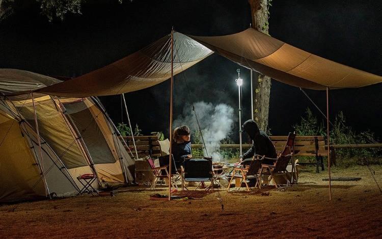Aufblasbare und aufklappbare Campingbetten für hohem Komfort