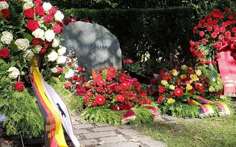 Welche Bedeutung hat ein Grabkranz?