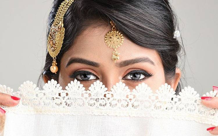 Typisch indischer Schmuck in silber und gold