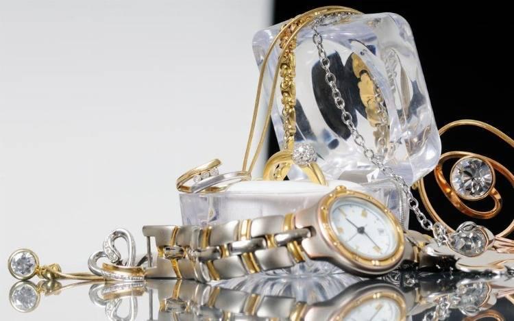 Spangenuhren - Damenuhren mit Armreif in Gold & Silber