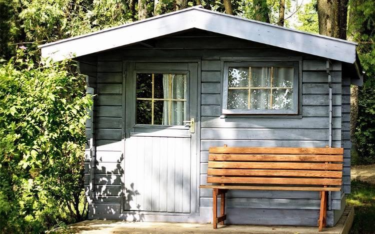 Große und kleine Gartenhäusuer aus Holz