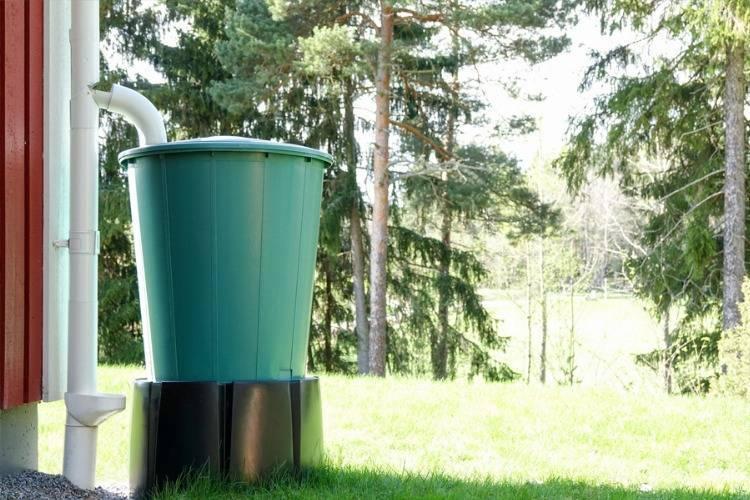 Regenwassersammler: Nutzen Sie den Niederschlag am Haus aus!