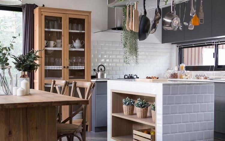 Moderne & Antike Küchenanrichten in Landhaus & Vintage Look