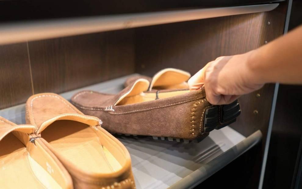 Schuhschrank zum Klappen