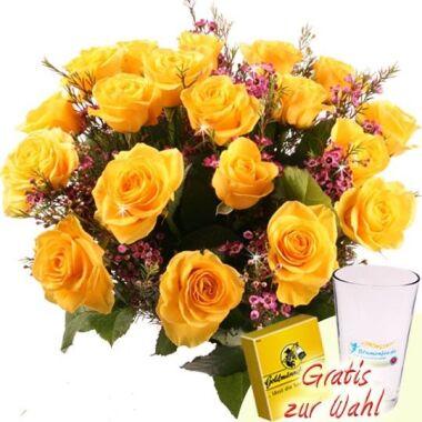 Rosenstrauß Sunday 20 Rosen aufgebunden mit Waxflower oder Schleierkraut