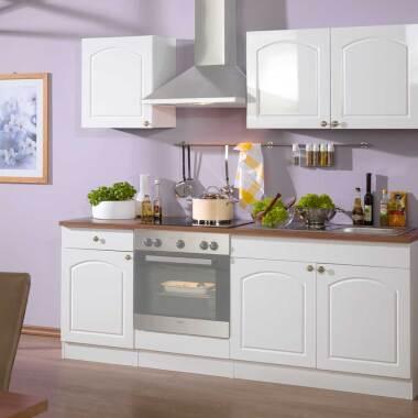Küchenzeile im Landhausstil ohne Geräte (fünfteilig)
