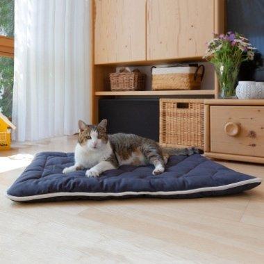 Katzen-Steppdecke Estera Größe: 80x60cm Farbe: dunkelblau