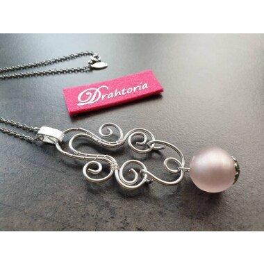 Drahtoria Verspielter Kettenanhänger Mit Perle Aus Glas in Zartem Rosa