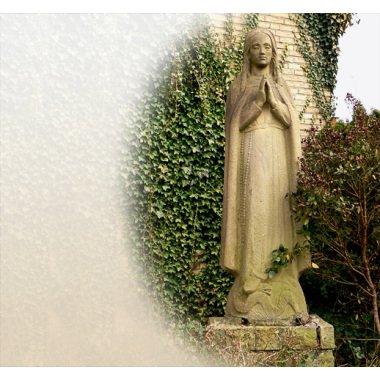 Antike Skulpturen im Original   Madonna...