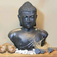 Wertvoller Buddha Kopf Chunni aus Stein