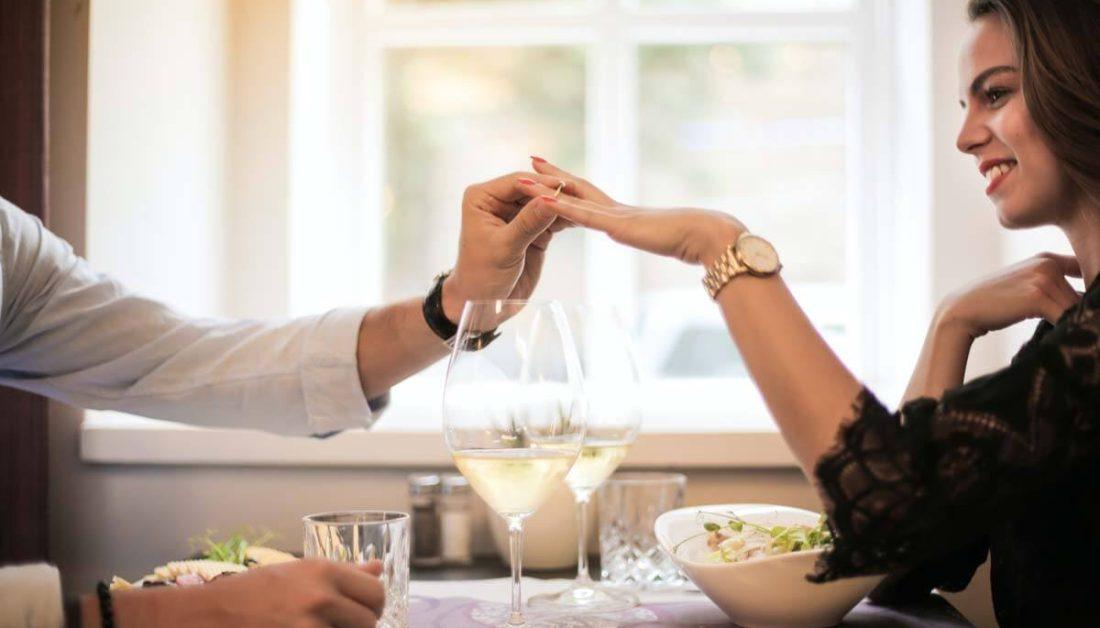 Valentinstag – Geschenk-Ideen für Mann & Frau + Bedeutung im Überblick