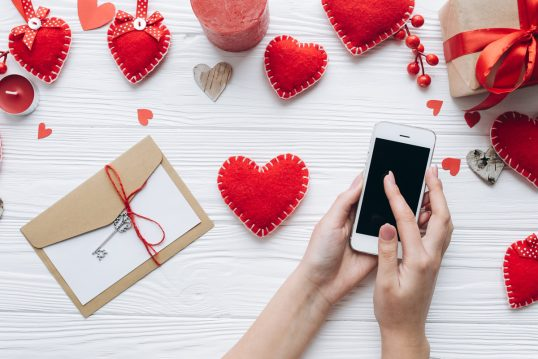 Liebessprüche ᐅ Schöne  lustige & kurze Sprüche zum Liebe ausdrücken