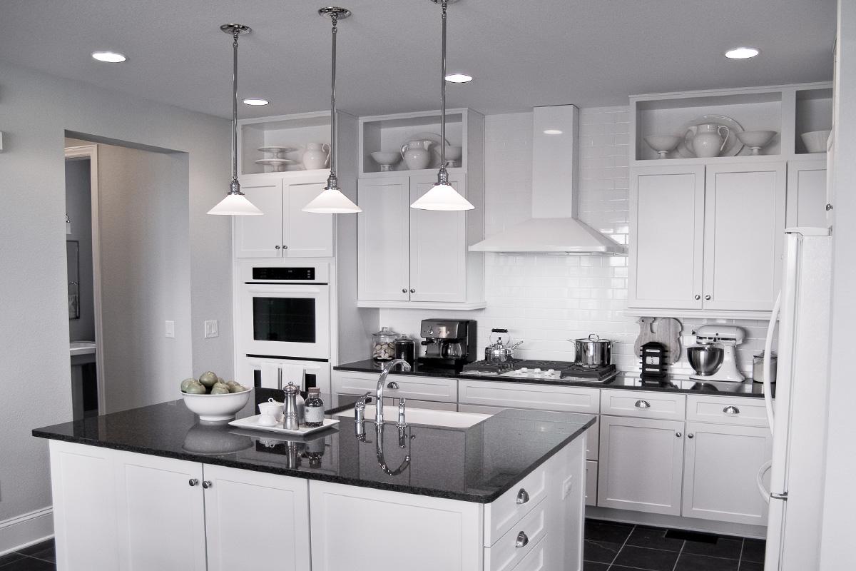 Küchen gestalten in weißen Farben