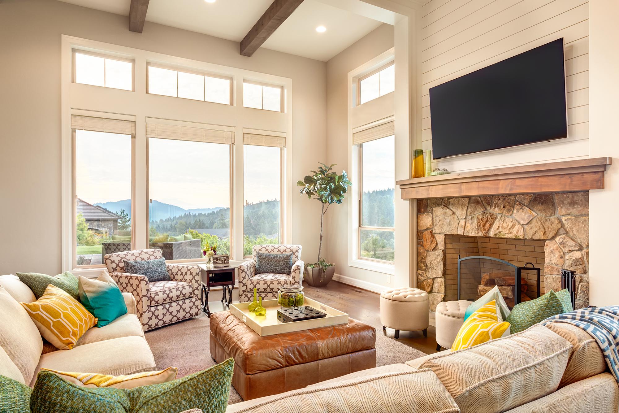 Es muss nicht immer ein klassischer Couchtisch sein, um das Wohnzimmer zu komplettieren.