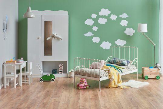Kinderzimmer für Jungen Gestaltungsidee in grün mit Wolken Wanddekoration – w...
