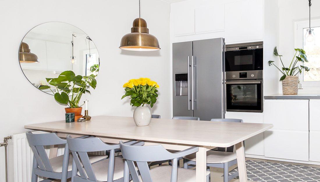 Kuchen Idee Dekorierter Kuchentisch Mit Pflanzen Spiegel