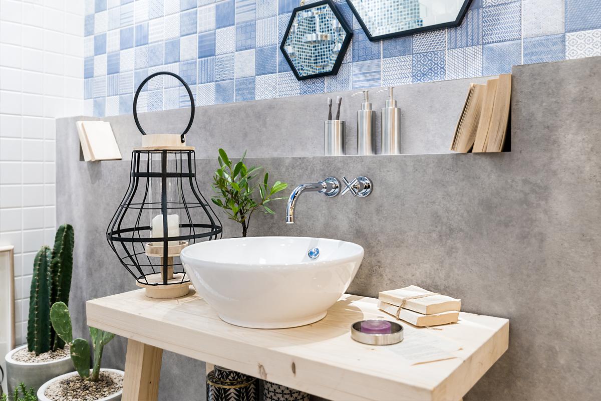 Badezimmer Idee Modernes Bad Mit Laterne Pflanzen