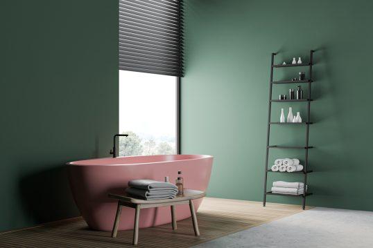 Idee für ein minimalistisches Badezimmer mit grüner Wandgestaltung – Beispiel...