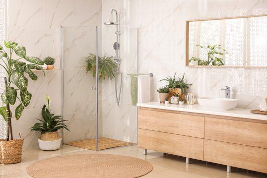 Gestaltungsidee – Stilvolle moderne Badeinrichtung mit großen Waschbeckenunte...