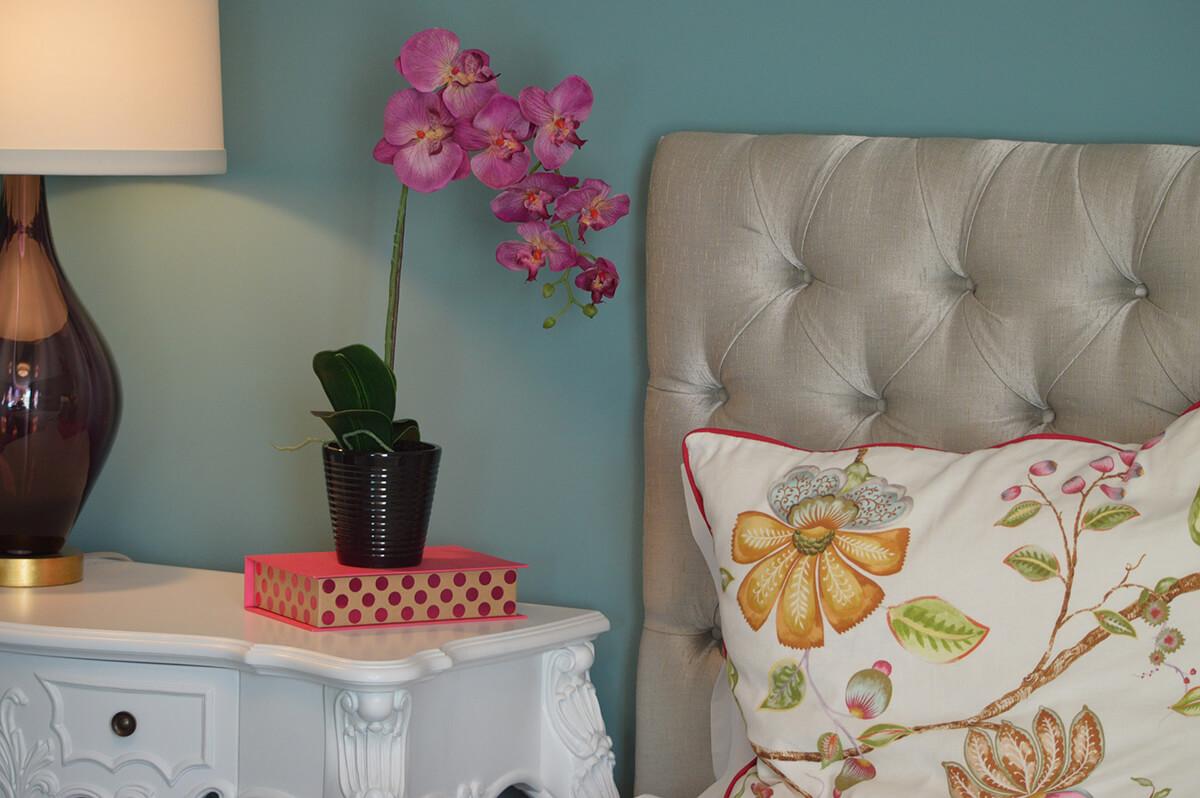 Zimmerpflanze Orchidee im Schlafzimmer nach Feng Shui