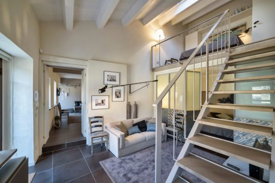 Appartement / Ferienwohnung im Loft Style als Wohnidee – Beispiel mit gemütli...