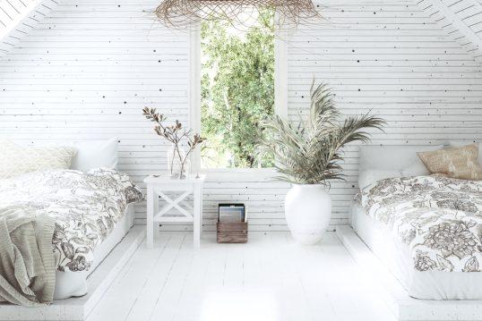 Tolle Idee für ein Dachgeschoss Zimmer im modernen Landhausstil – Beispiel mi...