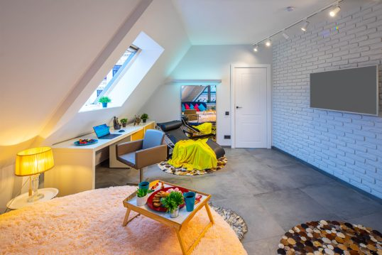 Beispiel für die Gestaltung eines Dachboden Jugendzimmers – Beispiel mit rund...