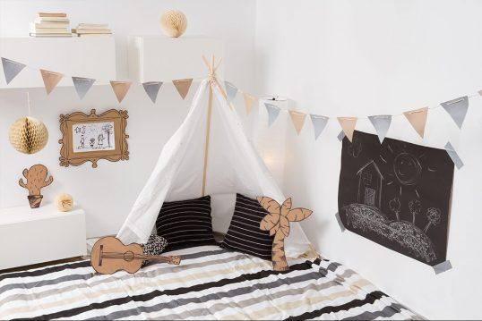 Kinderzimmer Idee – Kleine Spielecke im Kinderzimmer mit Zelt & Kissen &...