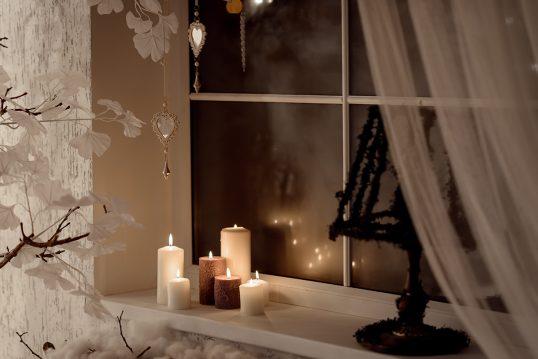 Advent- & Weihnachtsdeko Idee für das Fensterbrett – Beispiel mit versch...