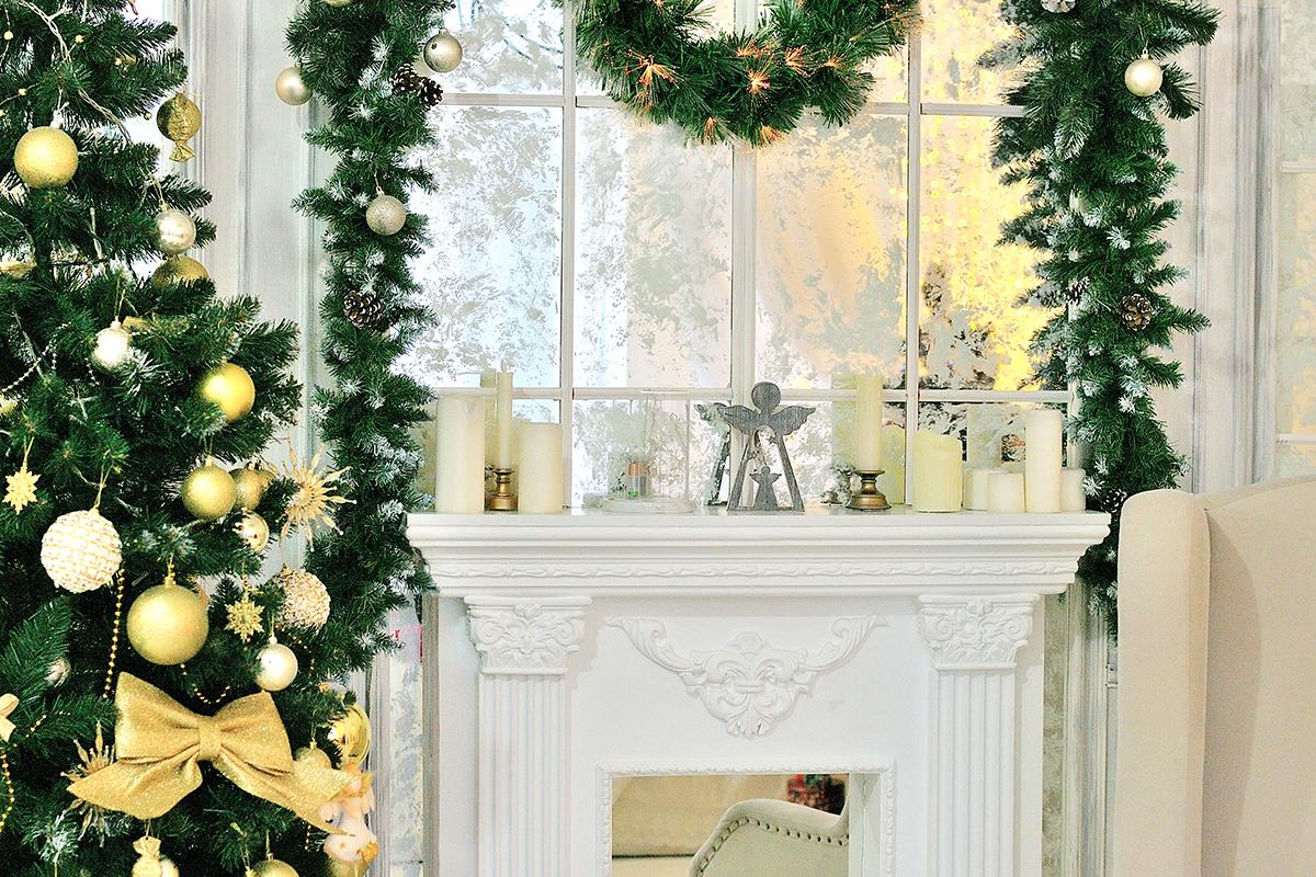 Weihnachtdeko Idee Kamin Fenster Weihnachtlich Dekoriert