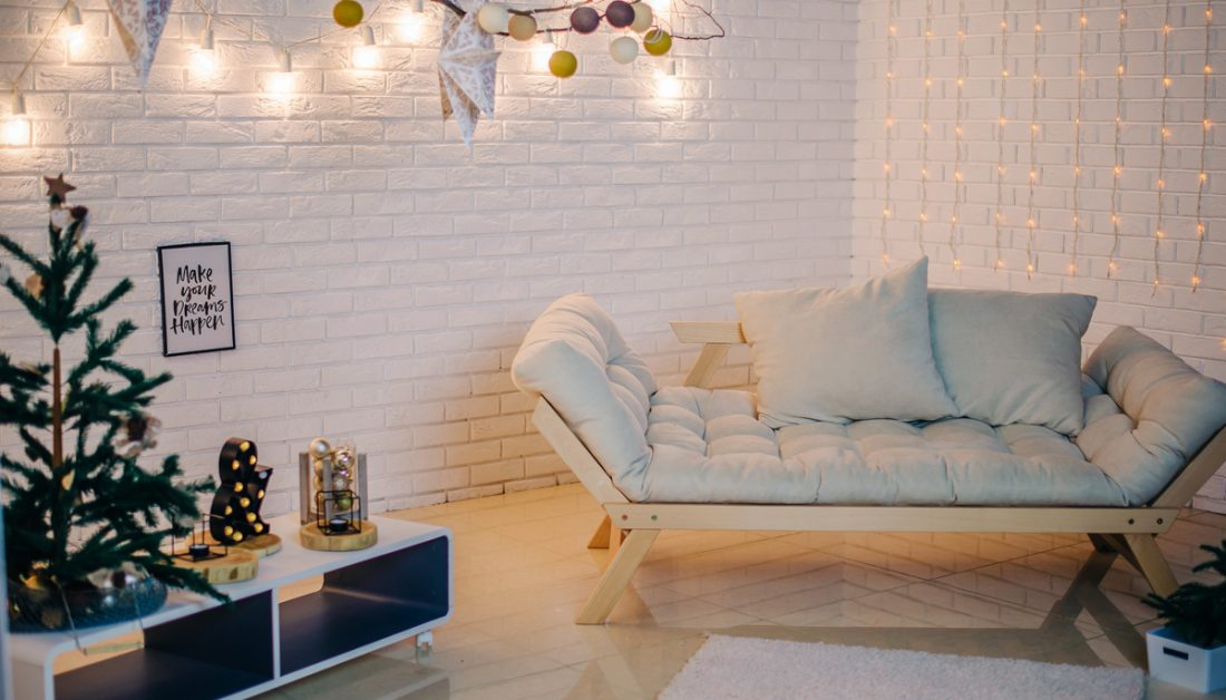 Wohnidee Sitzbereich Mit Futonsofa Weihnachtsdeko
