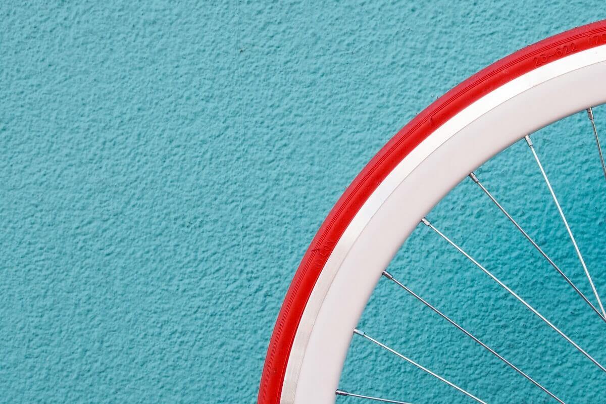 Strukturfarbe in Blau für besondere Oberflächenstuktur