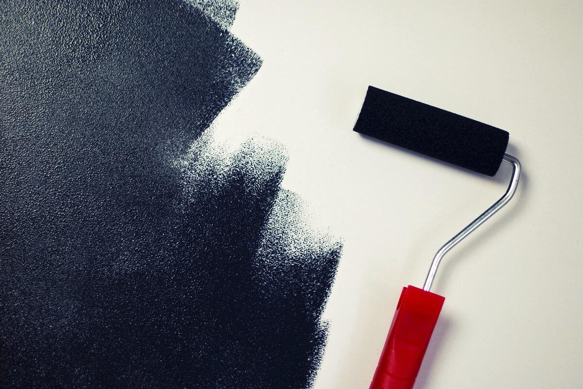 Magnet- oder Tafelfarbe in Schwarz für Küche oder Kinderzimmer