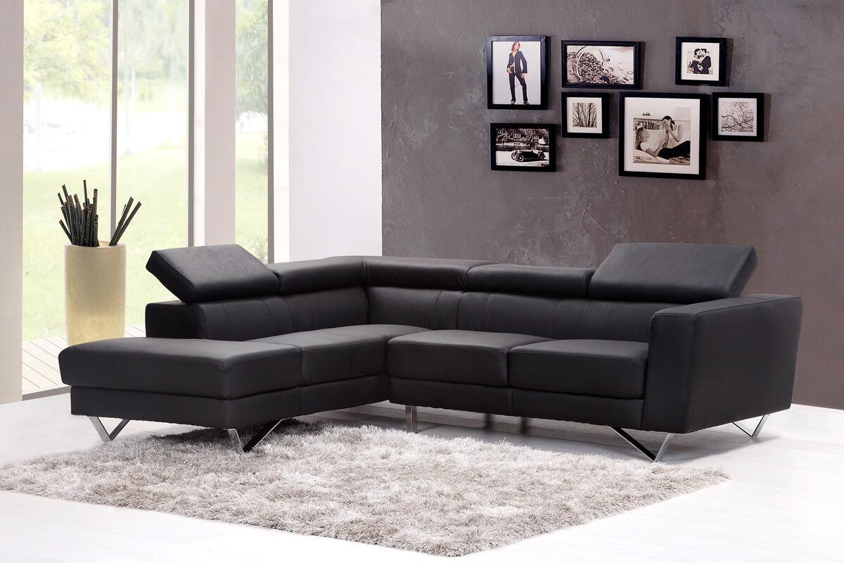 Schwarz-weiße Farbgestaltung im Wohnzimmer